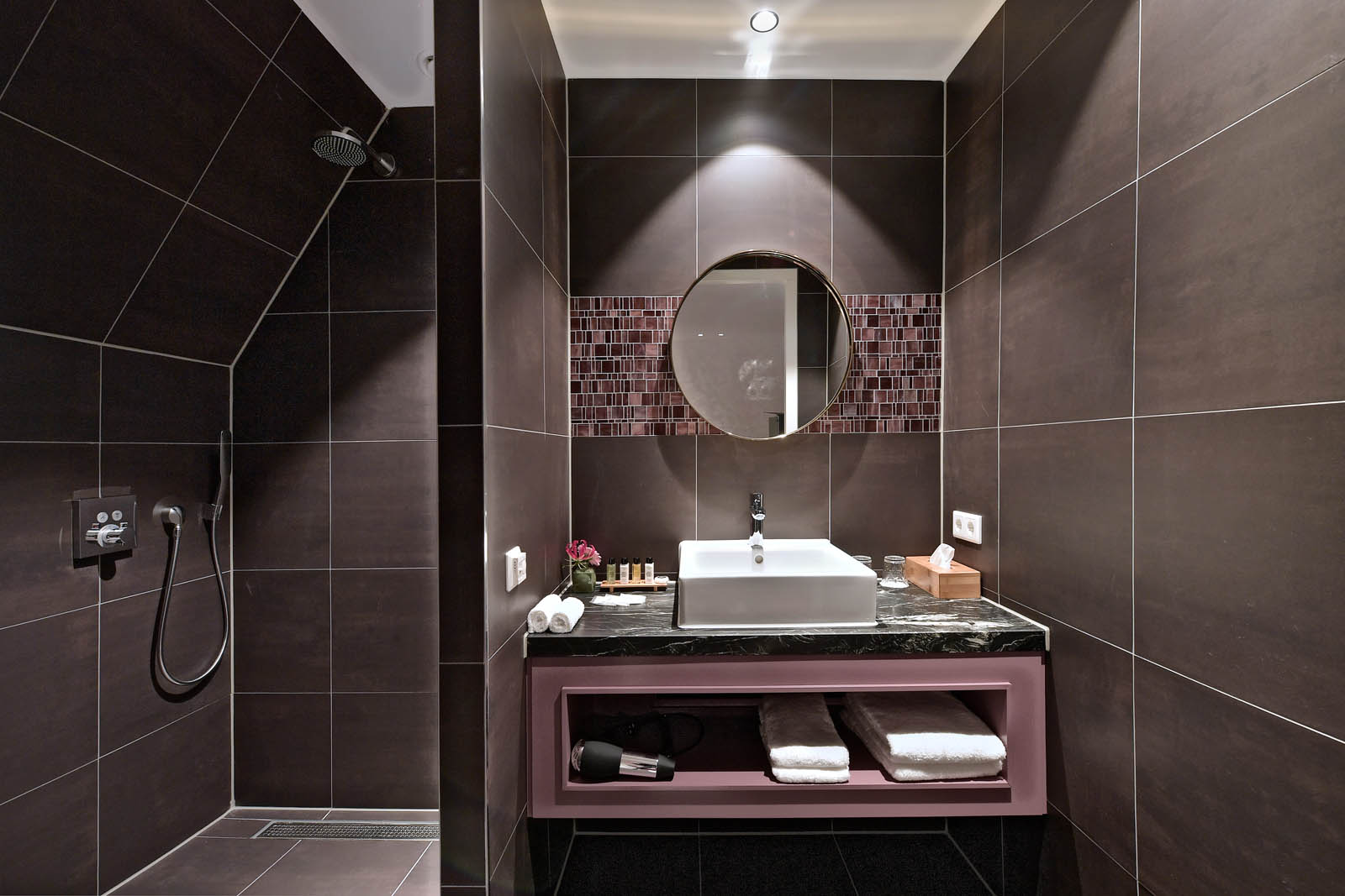 junior suite Bathroom 2